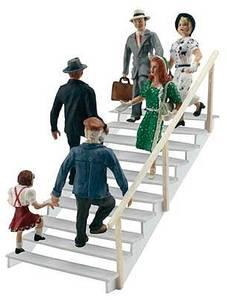 Bilde av gående i trapp